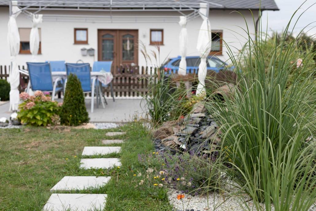 Eigene Terrasse für unsere Gäste - Ferienwohnung / Appartement im Landhaus HEIMISCH / Haus Bärbel