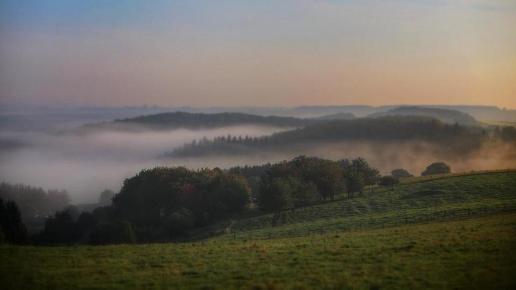 Die Herbstnebel über dem Hochwald / Hunsrück - Landhaus HEIMISCH