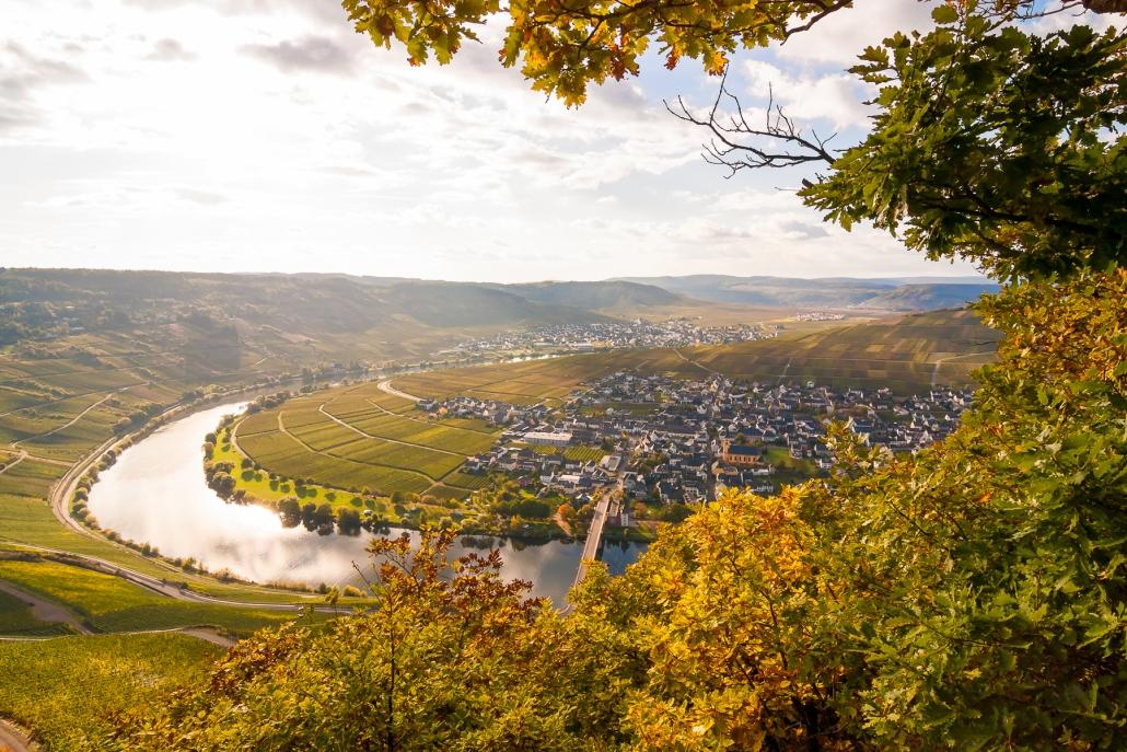 """Wandern im Hunsrück - Die Ruhe und Weite des Hunsrücks erfährt man am besten auf den zahlreichen Premiumwanderwegen """"Traumpfaden"""" - Das Landhaus HEIMISCH ist ein idealer Ausgangspunkt für einen Ausflug an die schöne Mosel!"""