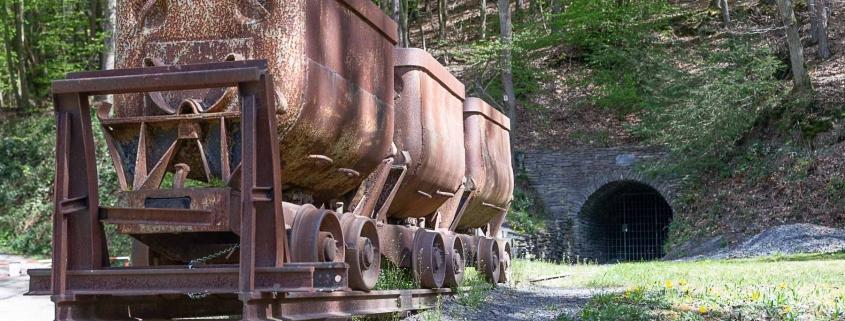 Die Barbara-Grube auf der Traumschleife - Schiefer-Wackenweg -