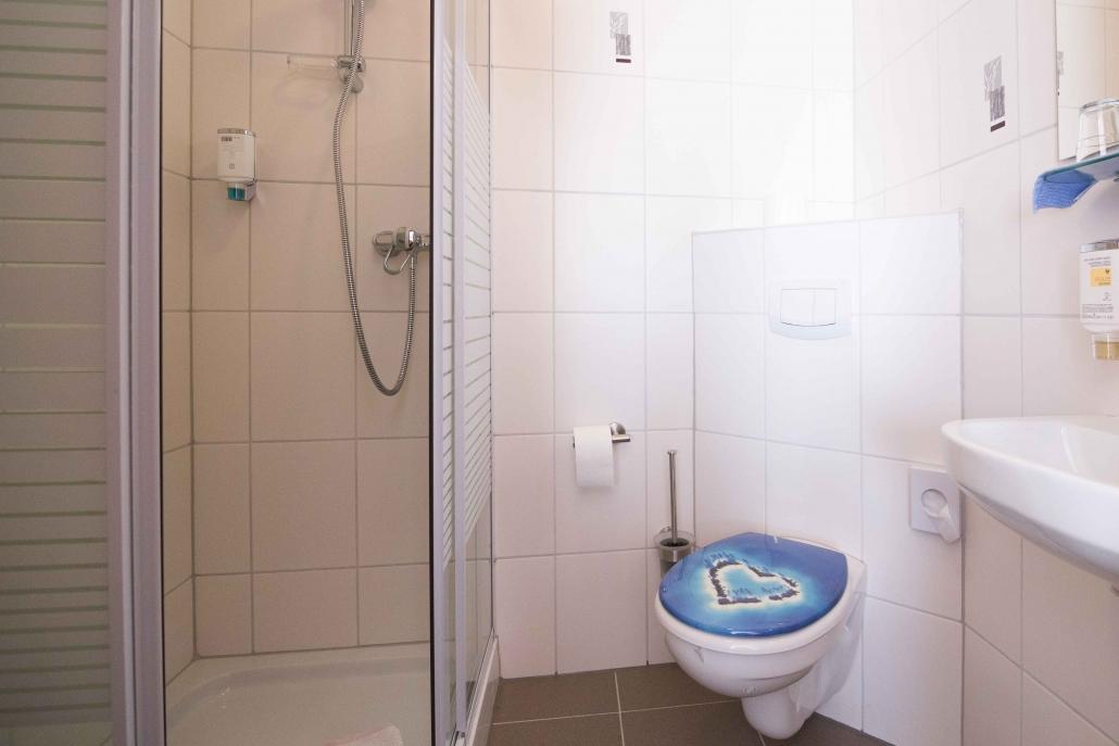 Wohnbeispiel Doppelzimmer – Bad – im Landhaus Heimisch
